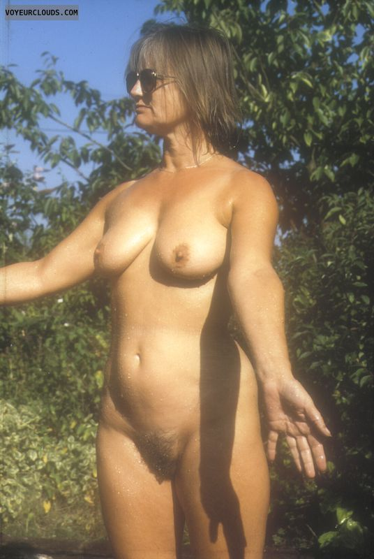 Wet body, yvonne, hard nipples, naked outdoors, hairy pussy
