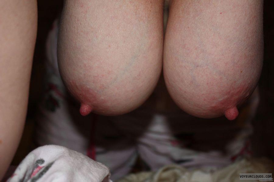 Hangers, erect nipples, big nipples, Big tits, DD\'s