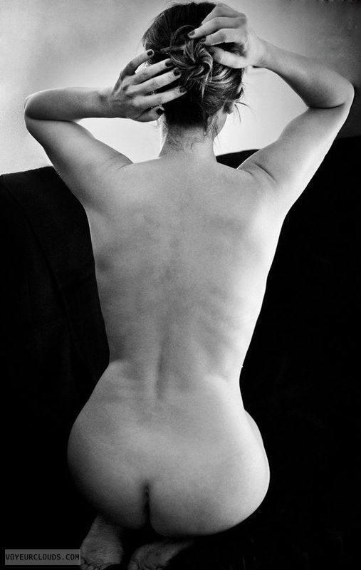 nude wife, naked wife, round ass, back view, posing