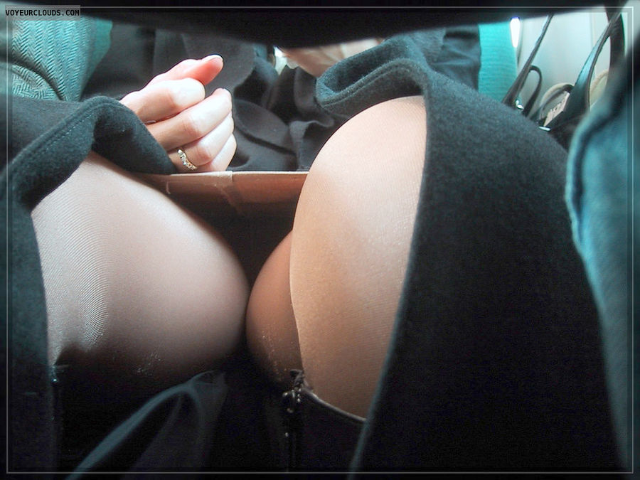 Free Upskirt Videos Of Hot Women 21