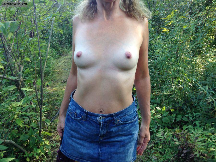 Tits, flashing, nipples, wife, braless