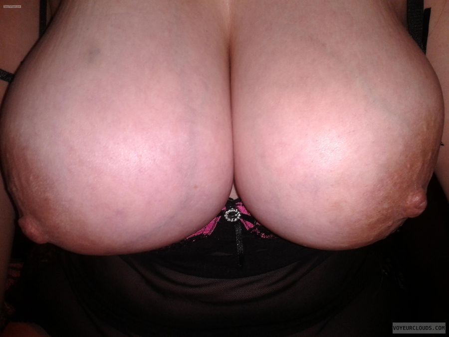 Very big tits, Large areolas, Large nipples