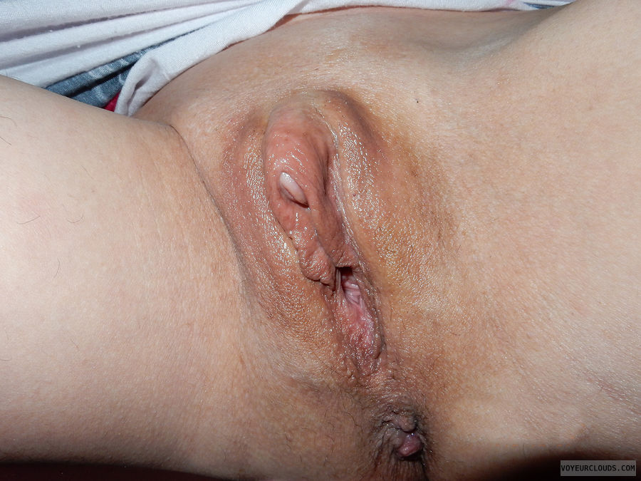 Wet large clit