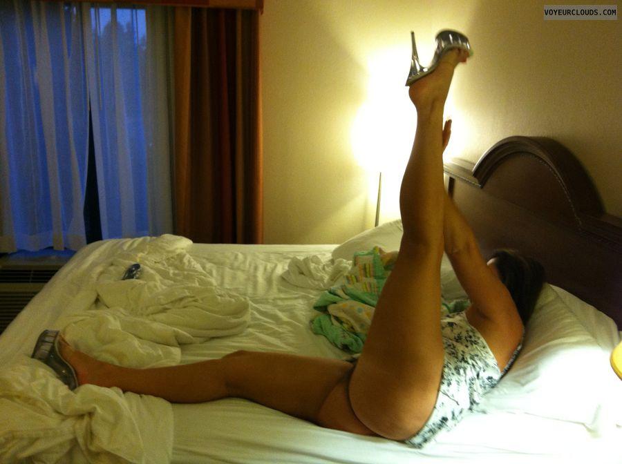 Stripper heels, Sex shoes, Milf, Hotel, Legs spread