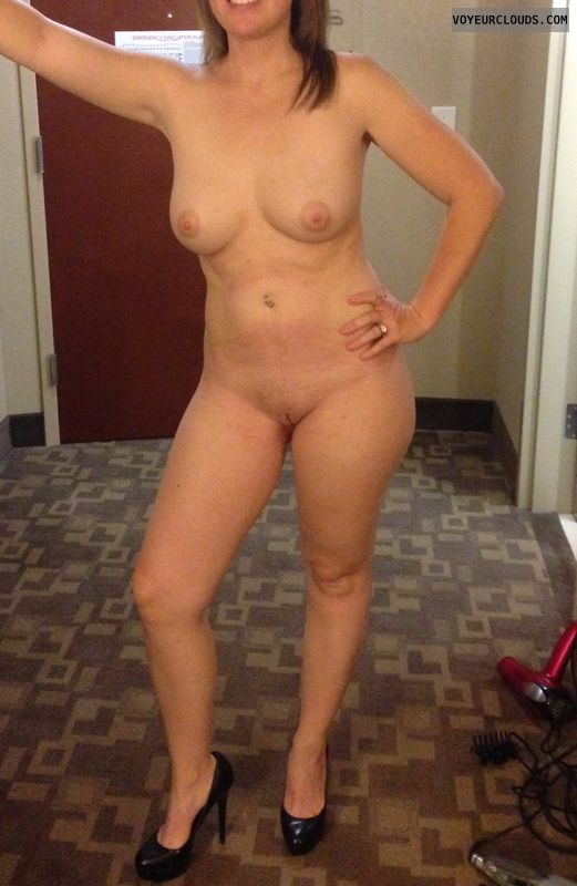 High heels, Nice tits, shaved pussy