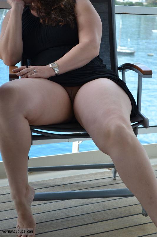 upskirt, no panties, shaved, pussy peek