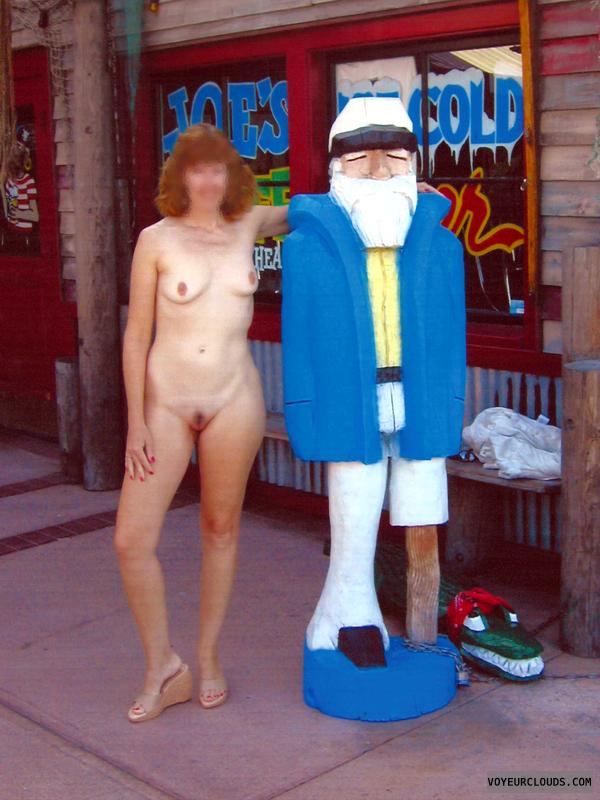 Exhibitionism, Nude in Public, Flashing, Restaurant