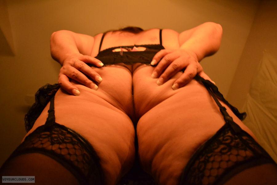 round ass, round Butt, MILF ass, sexy lingerie