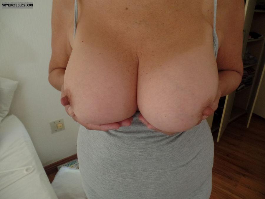 Handbra, big tits, thick nipplea, long nipples, tits out