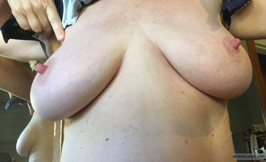 Big nipples, erect nipples, big tits, milf, upward pic