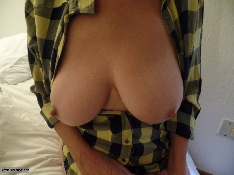 Mothers Day, Big tits, Tits out, Thick nips, Long nips