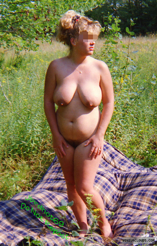 Wife tits, naked wife, outdoors naked, sun on tits