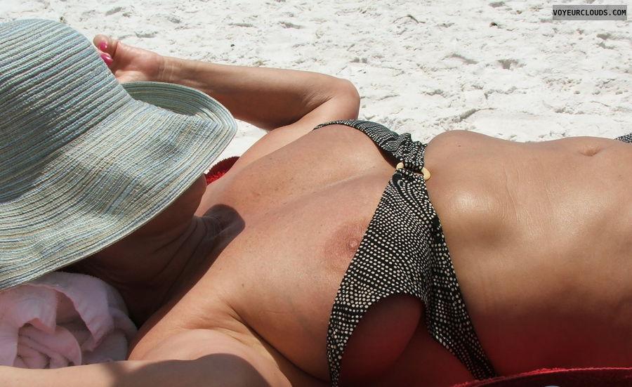 wife tits, hard nipples, nipslip, beach pic, bikini top
