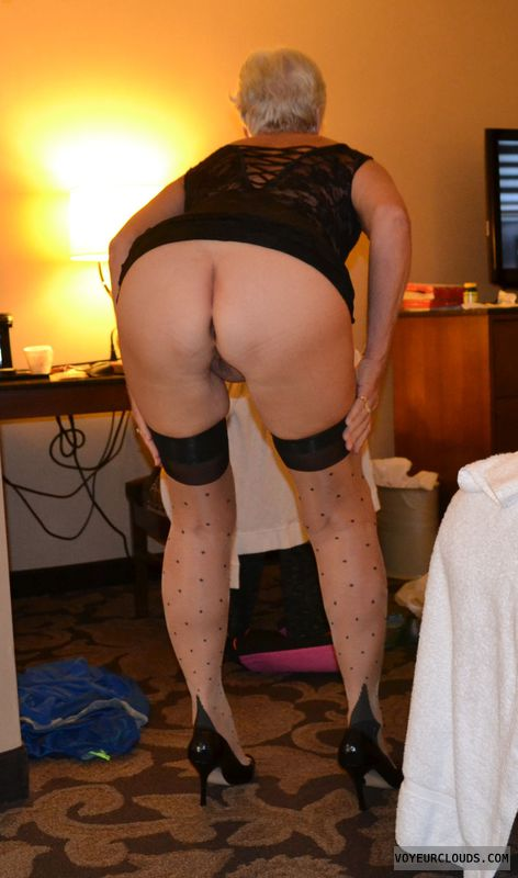 round ass, bottomless, bent over, wfi, long legs, nylons
