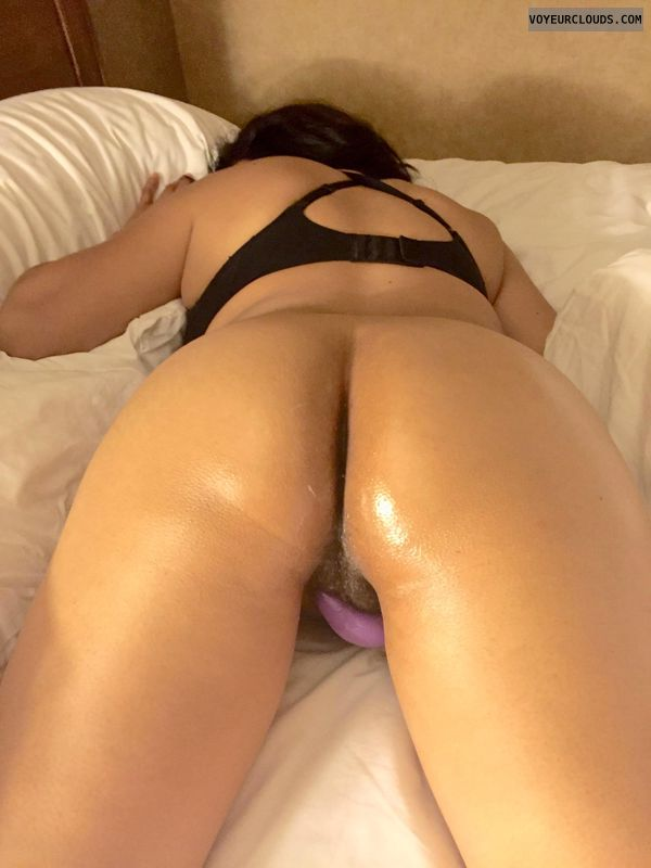 bottomless, round ass, solo play, masturbation