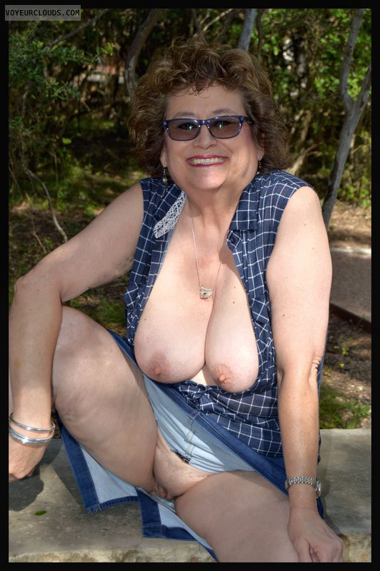 Shaved pussy, big tits, milf, outdoors, exhibitionist