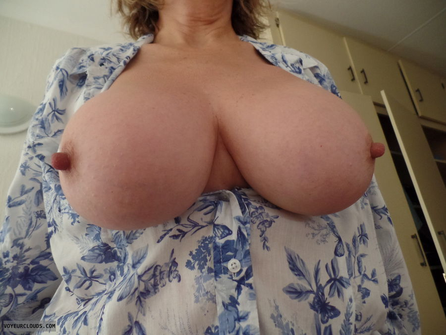 Tits out, Big tits, Long nips, Thick nips, competition