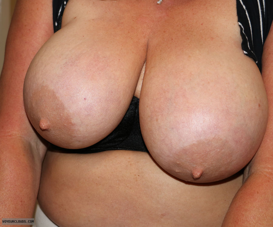 tits out, hard nipples, big areolas, big tits