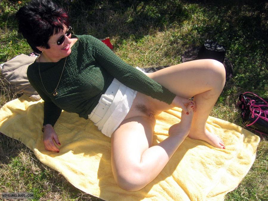No Panties under her Skirt in Public, landing strip