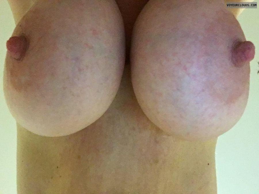 DD\'s, big tits, erect nipples, big nipples