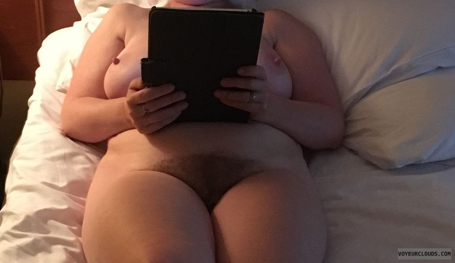 Hairy pussy, pussy, on bed, fully naked