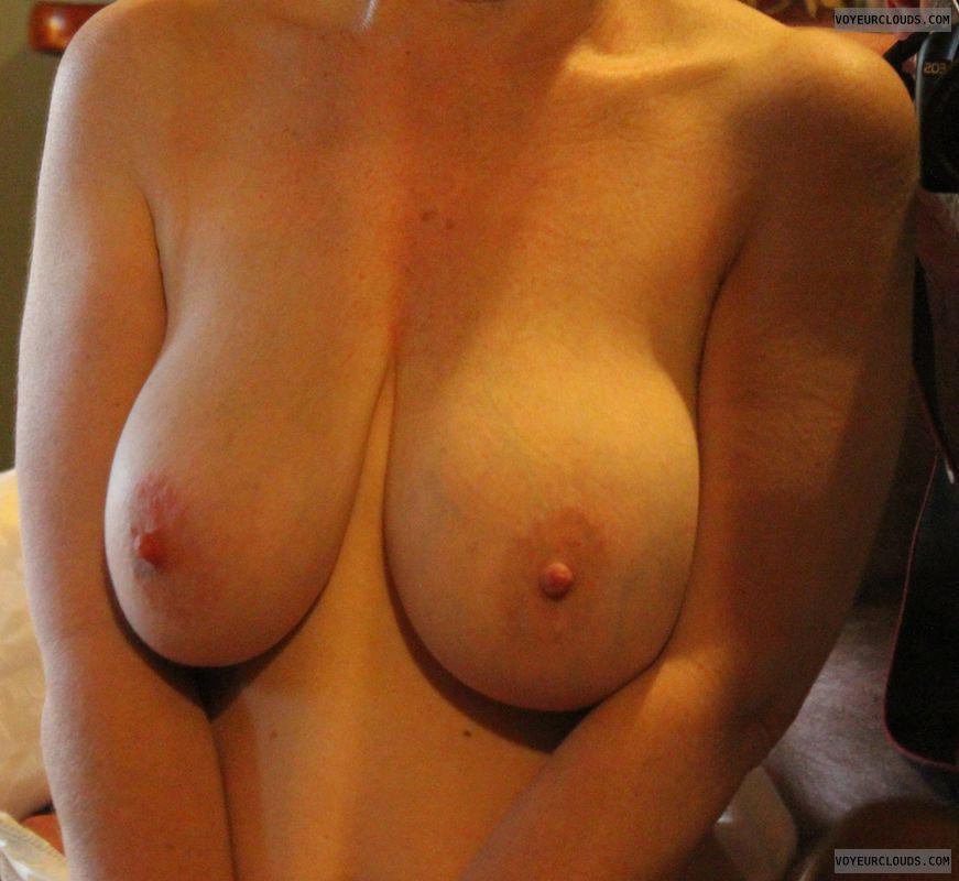 Big tits, erect nipples, big nipples, milf, DD\'s