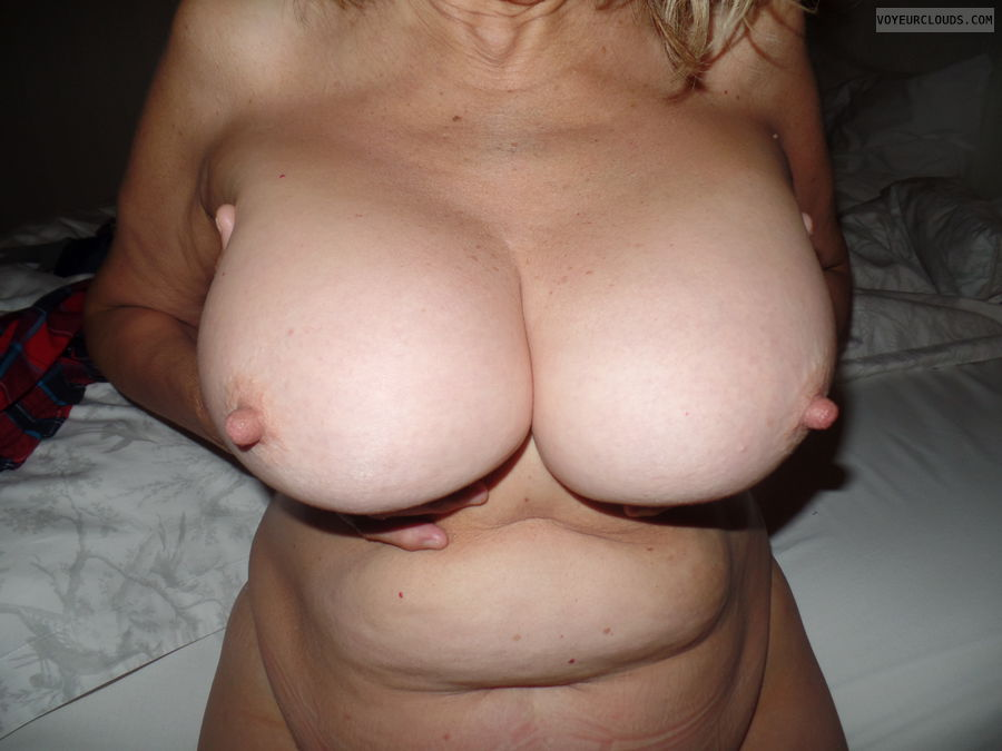 Hand bra, Big tits, Thick nipples, Long nipples
