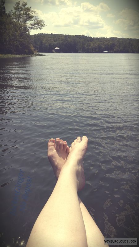 Long legs, Bare feet, Unpainted toes, Lake fun, Labor day
