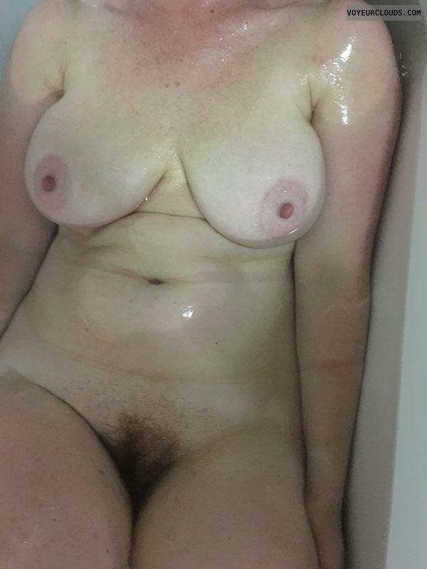Wet tits, DD\'s, big tits, big nipples, etect nipples