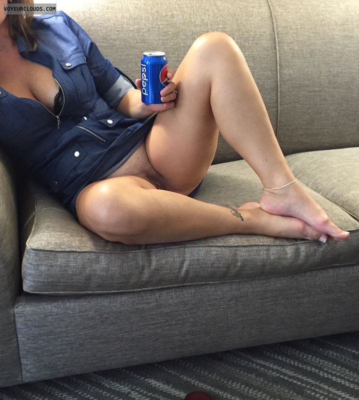 Zipper dress, Milf, Hotel, Pussy, Leg, Legs open, Tattoo
