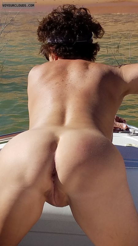 GILF ass, round ass, round butt, pussy lips, doggy