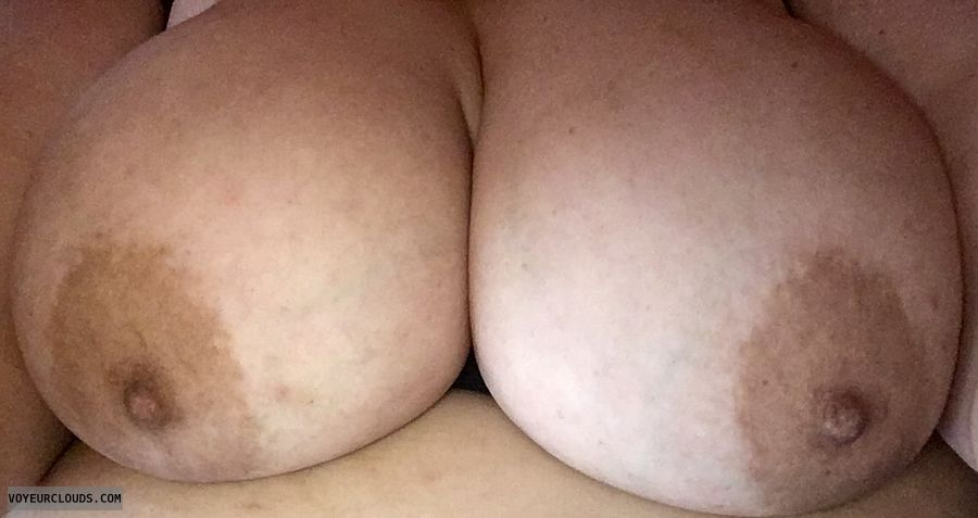topless, big tits, big boobs, hard nipples, selfie