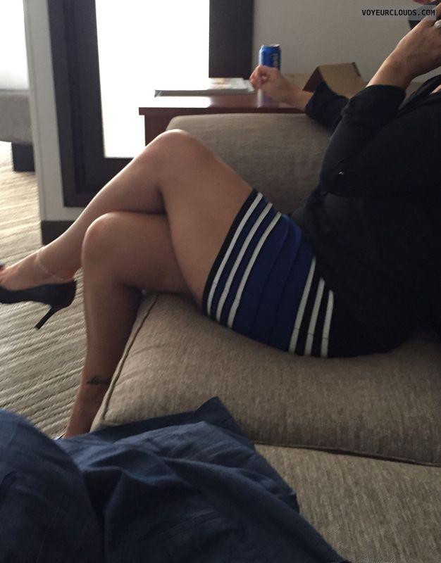 Sexy Milf legs, Sexy legs, Curvy, Hotel, Milf, Sexy high heels