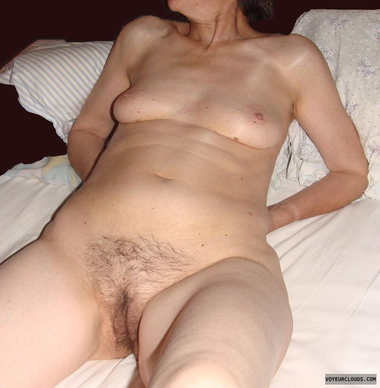 mature wife, sexy waiting, bed, nude, candaulism, pussy