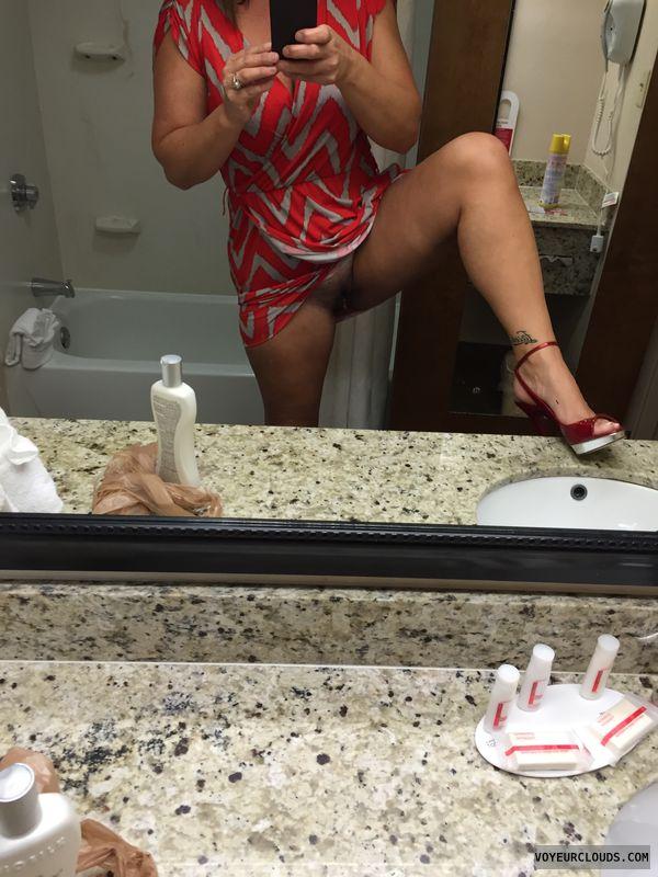 Milf, Hotel, Sexy legs, Tattoo, fuck me heels, sexy heels