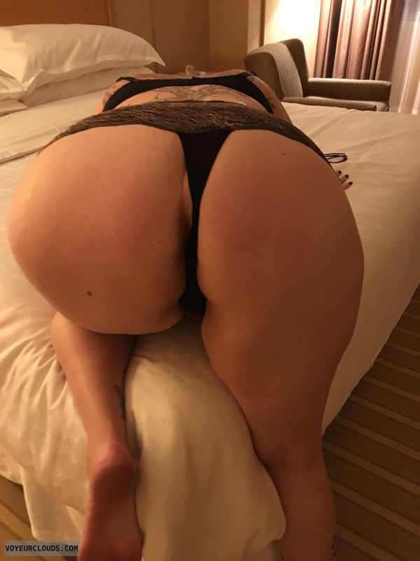MILF Ass, bend over, thong, teasing, wfi