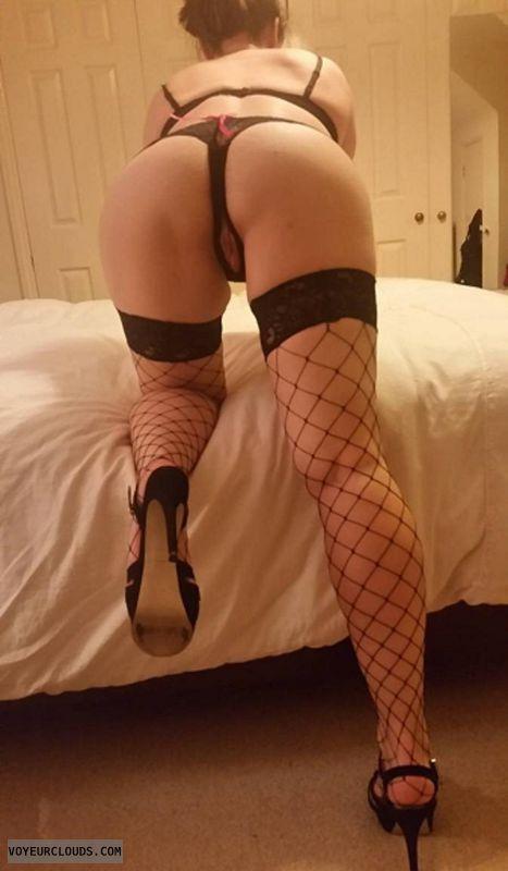 round ass, round Butt, sexy lingerie, long legs, teasing