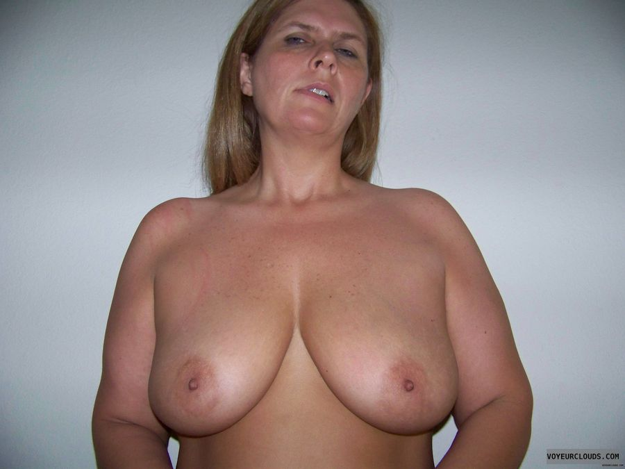 topless, hard nipples, posing, big boobs, Big tits