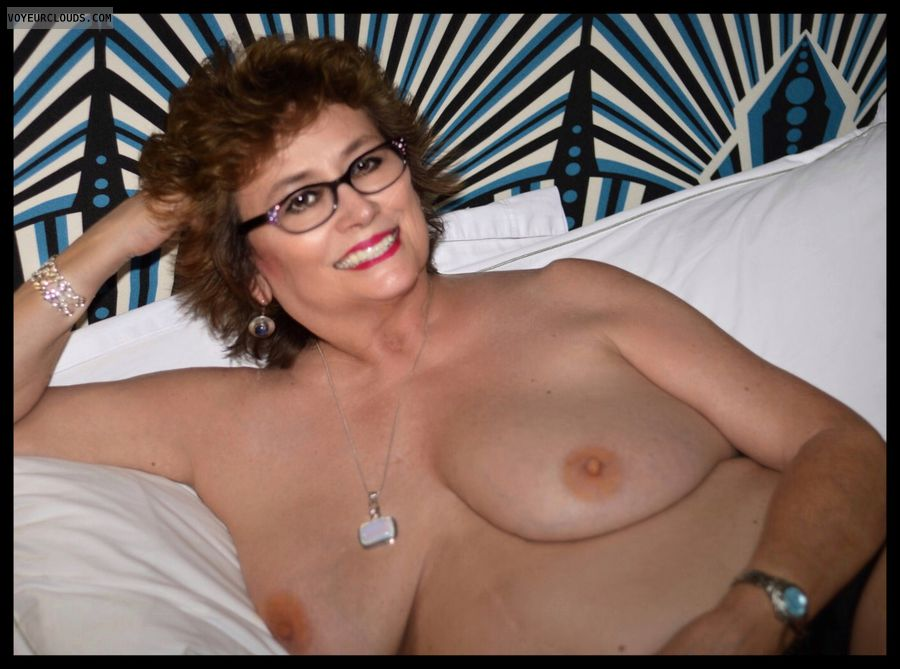 Big tits, milf, hotel, nude, bed, sexy smile, glasses