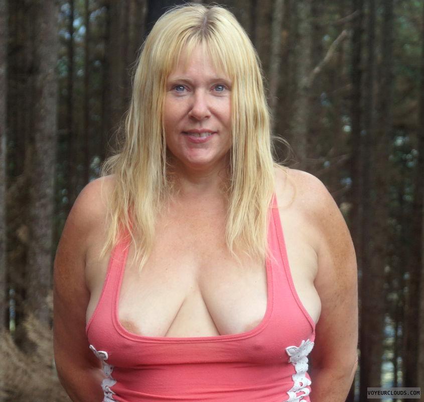 very deep cleavage, nip slip, pokies, low top