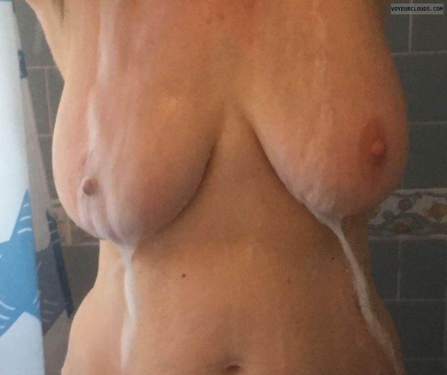 Erect nipples, big nipples, big tits, milf, DD\'s, wet tits