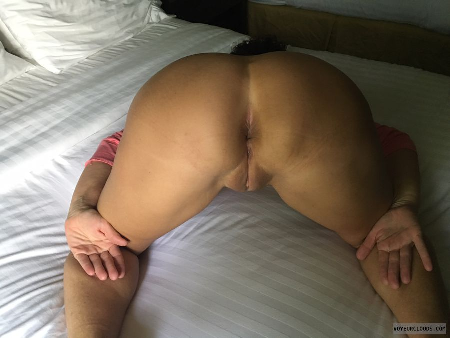 GILF ass, Pussy from behind