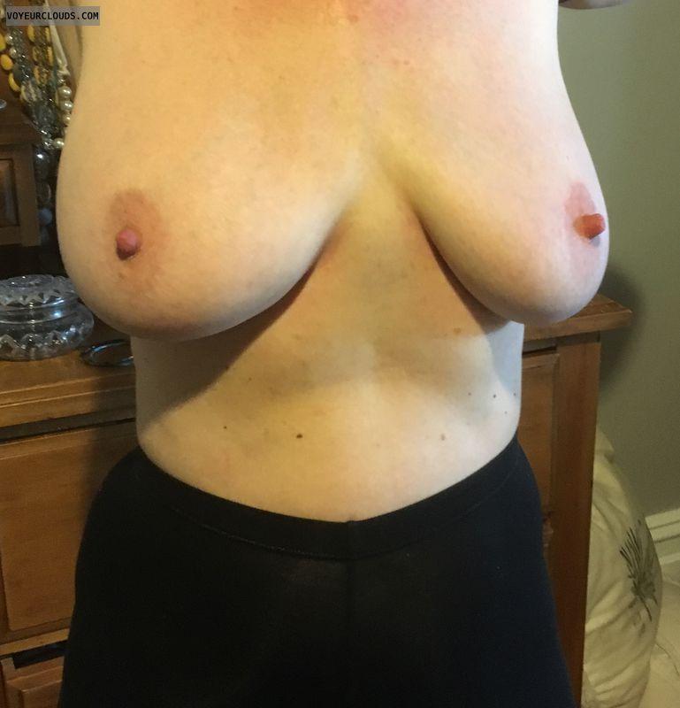 Big tits, big nipples, DD\'s, erect nipples, milf