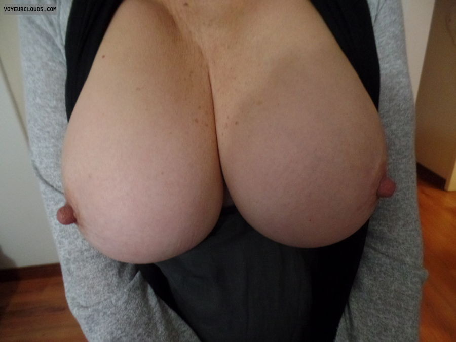 Tits out, Big boobs, Thick nipples, Long nipples