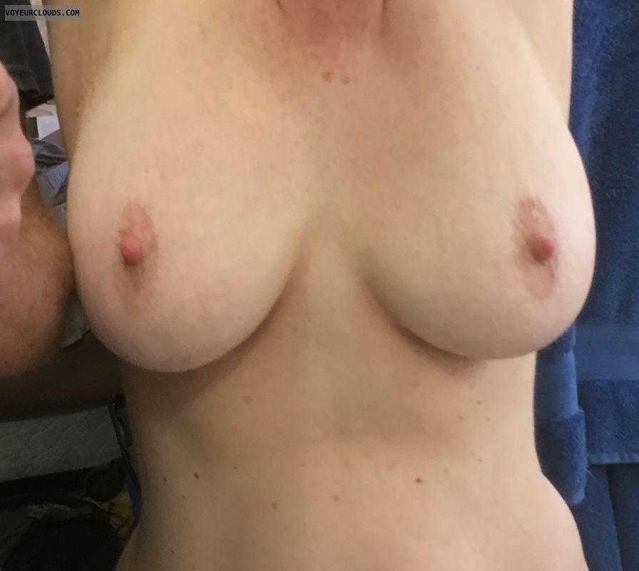 Big tits, big nipples, erect nipples, DD\'s, milf