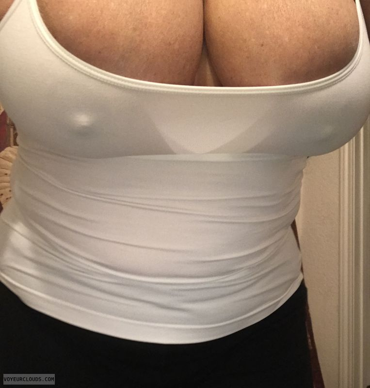 braless, pokies, Big tits, Hard nipples, sexy wife
