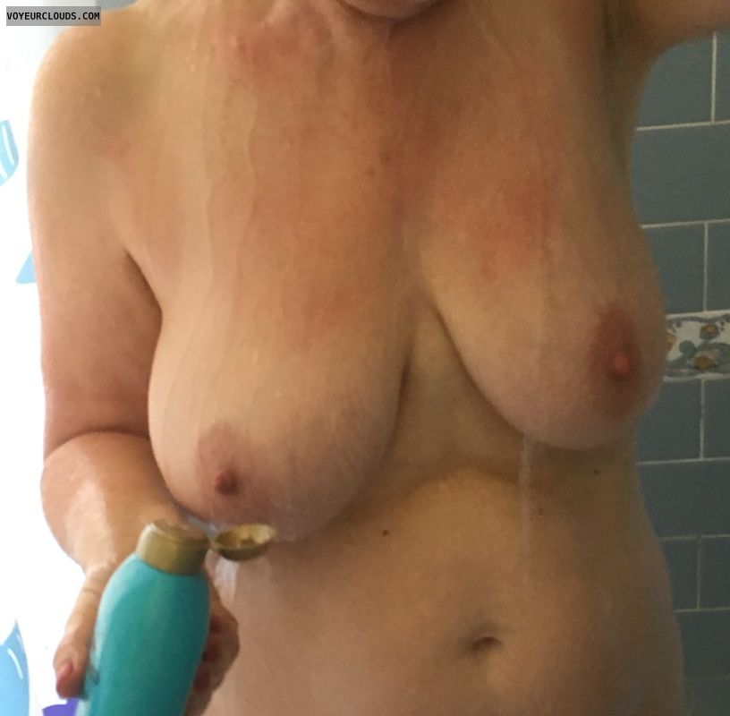 36DD, big tits, erect nipples, big nipples, Wet tits