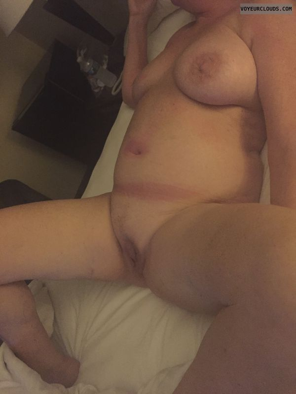 nude woman, naked woman, shaved pussy, pussy lips
