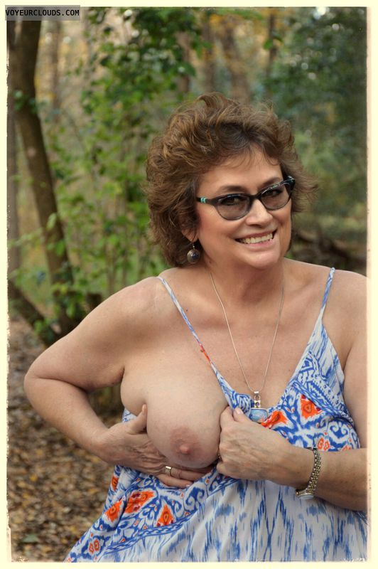 big tits, milf, sxy smile, glasses, outdoors, exhibitionist