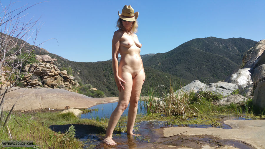 Exhibitionist, Nude in Public, Outdoors, Nude in Nature